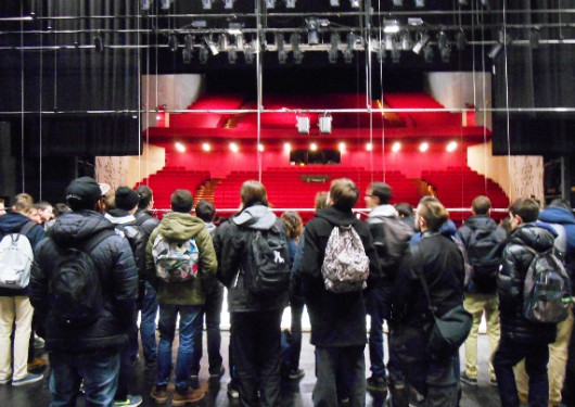 7-Coulisses-du-theatre